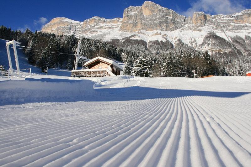 Coupe icare blanche parateam club st hil 39 - Office du tourisme saint hilaire du touvet ...